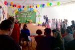Наш детский сад с утра украшен, сегодня праздник выпускной